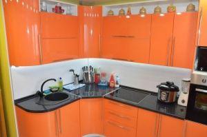 Кухня оранжевая радиусная - Мебельная фабрика «SOVA»