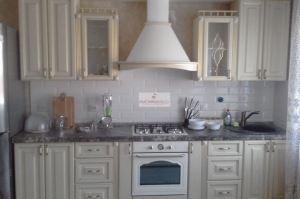 Кухня прямая белая классика - Мебельная фабрика «МуромМебель»