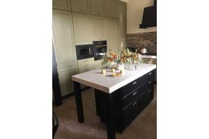 Кухня прямая матовая с островом - Мебельная фабрика «ЮЛИС»