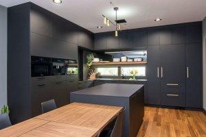 Кухня Rehau черная матовая - Мебельная фабрика «Евроньюформ»