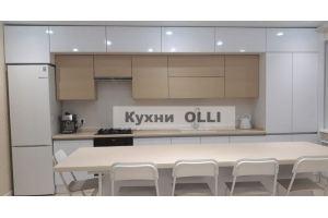 Кухня с антресолями два этажа сверху - Мебельная фабрика «Кухни OLLI»