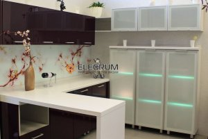 Кухня с фасадом Алюминиевая рамка - Мебельная фабрика «ELEGRUM»