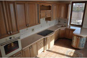Кухня с фасадом из массива черешни Т815 - Мебельная фабрика «Faberge»