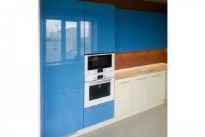 Кухня с глянцевыми фасадами - Мебельная фабрика «Grol»