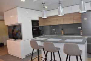 Кухня с островом - Мебельная фабрика «SOVA»