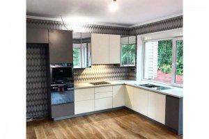 Кухня с зеркальными фасадами - Мебельная фабрика «МДН»