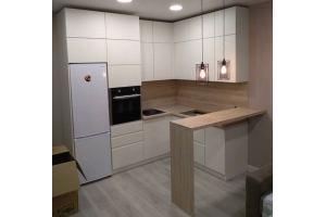 Кухня светлая под потолок Василиса - Мебельная фабрика «ОЛИМП»