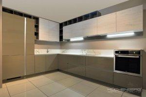 Кухня угловая COMO - Мебельная фабрика «KUCHENBERG»
