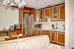 Кухня угловая из массива вишни - Мебельная фабрика «Мебель Продакшн»