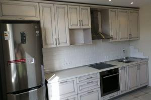 Кухня угловая МДФ с патиной - Мебельная фабрика «Меранти М»