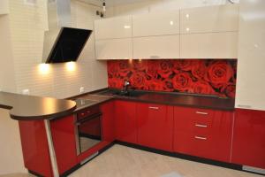Кухня угловая с барной стойкой - Мебельная фабрика «Святогор Мебель»