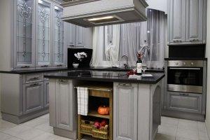 кухня в классическом стиле с островом  БЕАТРИС  - Мебельная фабрика «Молчанов»