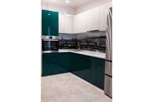 Кухня зеленая эмаль - Мебельная фабрика «Виста»