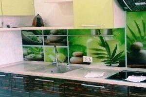 Кухонный фартук из стекла 6 - Оптовый поставщик комплектующих «Мир из стекла»