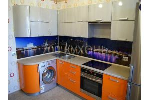 Кухонный гарнитур угловой бело-оранжевый  - Мебельная фабрика «700 Кухонь»