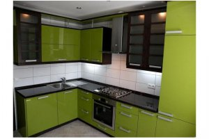 Кухонный гарнитур венге с зеленым - Мебельная фабрика «Вариант73»