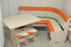 Кухонный уголок Дуэт, дуб выбеленный, к/з оранжевый + молочный - Мебельная фабрика «Миссия»