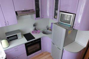 Маленькая сиреневая кухня - Мебельная фабрика «Мебель +5»