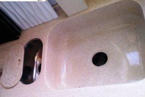 Мойка для кухни из Акрила 1 - Оптовый поставщик комплектующих «Реал Стоун»