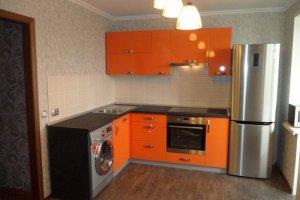 Небольшая кухня с фасадами пластик - Мебельная фабрика «Ваша мебель»