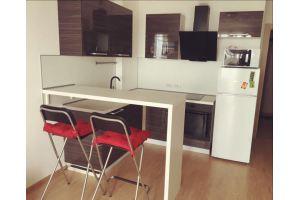 Небольшая стильная кухня - Мебельная фабрика «Кухни Вардек»