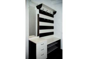 Небольшая стильная прихожая - Мебельная фабрика «Найди»