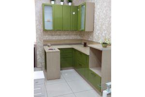 Небольшая угловая кухня - Мебельная фабрика «Дэрия»
