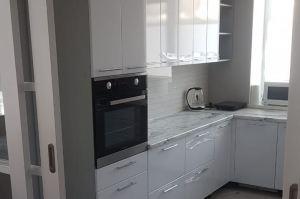П-образная глянцевая кухня - Мебельная фабрика «МЭК»
