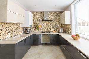 П-образная угловая кухня GLANCE  - Мебельная фабрика «Энгельсская (Эмфа)»