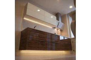 Парящая кухня с подсветкой - Мебельная фабрика «Элна»