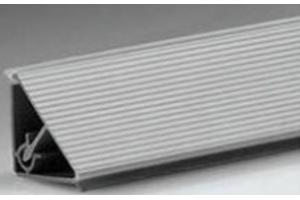 Плинтус рифленый алюминий Арт.62.04.2 - Оптовый поставщик комплектующих «Европа»