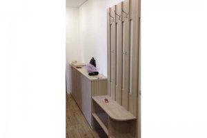 Прихожая мебель с большой тумбой - Мебельная фабрика «МакаровЪ»