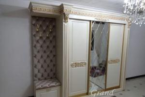 Прихожая в царском стиле - Мебельная фабрика «GRAND»