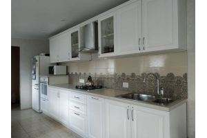 Прямая кухня белая - Мебельная фабрика «Гранд Мебель»