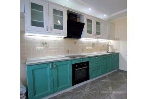 Прямая кухня бирюза/белая Массив - Мебельная фабрика «Гранд Мебель»