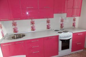 Прямая розовая кухня - Мебельная фабрика «Lakma»