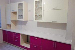 Прямая розовая с белым кухня - Мебельная фабрика «Мебель РОСТ»