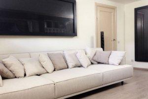 Прямой диван с подушками - Мебельная фабрика «Ре-Форма»