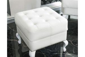 Пуф Георг для классического интерьера - Мебельная фабрика «Андреа»