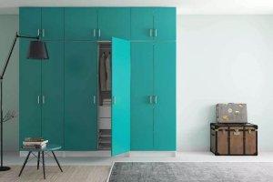 распашной шкаф бирюзового цвета - Мебельная фабрика «MipoLine»
