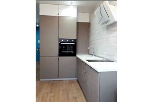 Серая угловая кухня - Мебельная фабрика «Виста»