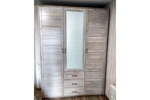 Шкаф из массива - Мебельная фабрика «Rila»