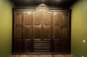 Шкаф из массива дуба с карнизом короной - Мебельная фабрика «Эксклюзив-Пинск»