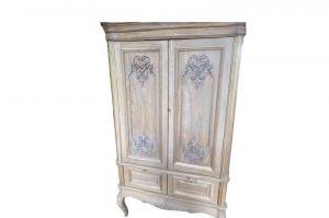 Шкаф из массива дуба с резными элементами - Мебельная фабрика «Sweet Mebel»