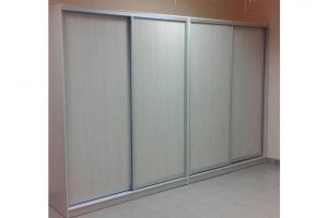 Шкаф-купе четырехдверный светлый - Мебельная фабрика «3 + 2»