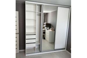 Шкаф-купе ЛДСП с зеркалом - Мебельная фабрика «ЛВМ (Лучший Выбор Мебели)»