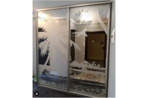 Шкаф-купе с гравировкой - Мебельная фабрика «Меркурий»