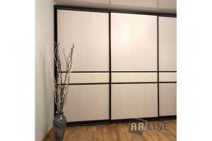 Шкаф-купе с кожаным декором - Мебельная фабрика «ARLINE»