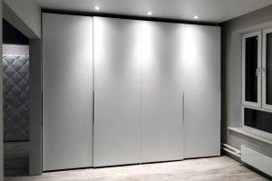 Шкаф-купе с крашенными фасадами - Мебельная фабрика «Красивый Дом»