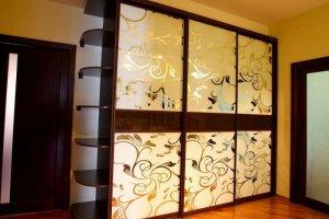 Шкаф-купе с пескоструйным рисунком  - Мебельная фабрика «Ваша мебель»